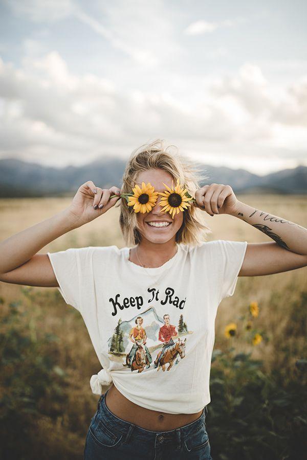 Pinterest ~ kaelimariee // Kaeli Marie Instagram ~ kaelimariee so cute!   Female portrait, Outdoor photoshoot, Fun photoshoot