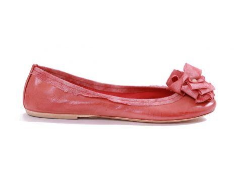 Na wiosnę proponujemy piękne, skórzane baleriny w soczystym kolorze. Wygoda, komfort i elegancja w jednym!
