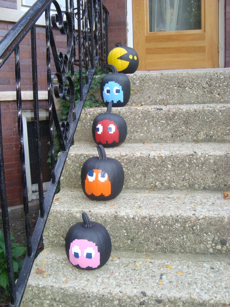 Pac Man Pumpkins - Patrick's idea, family project