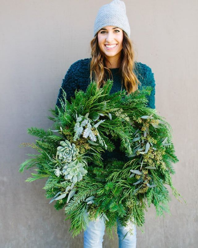 This is how make a #succulent #wreath! | Photography: @megperotti | Event Design: @beijosevents | Signage/Invites/Mugs: @twinkleandtoast