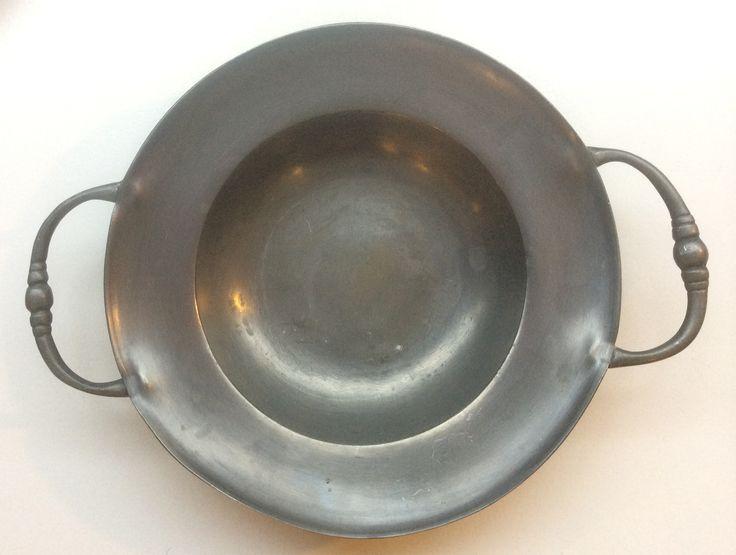 yksinkertaisen tyylikäs tinakulho, halkaisija 19cm
