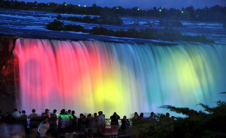 Niagara (Kanada) Podświetlenie wodospadu nocą