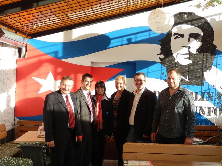 Velvyslanec Kuby v Illegalu.