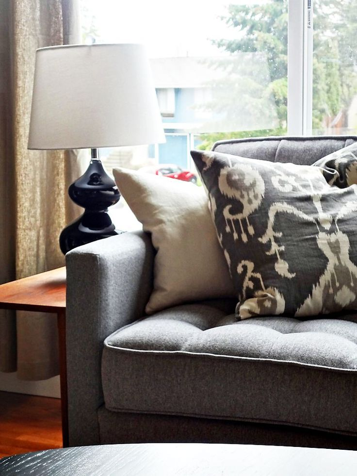 122 Best Images About Pillows Poufs On Pinterest Sofa Pillows Villas And