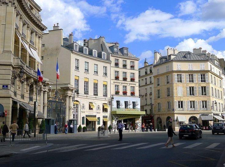 P1050489 Paris VIII place Beauvau rwk - Place Beauvau — Wikipédia