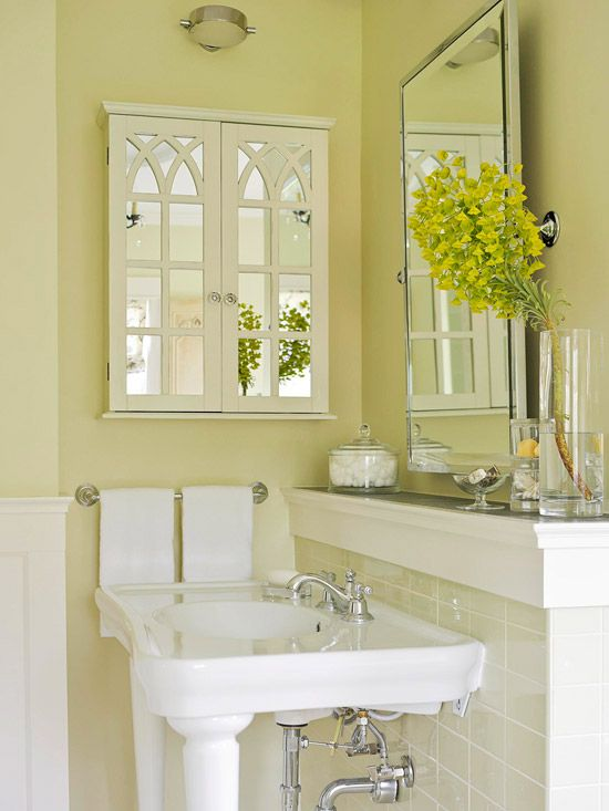 Love how the ledge above the sink is like a mantel!