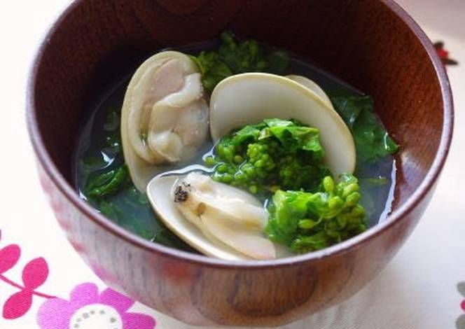 A Classic Dish for Doll's Festival Clear Soup with Nanohana and Hamaguri Clams Recipe -  Very Tasty Food. Let's make it!