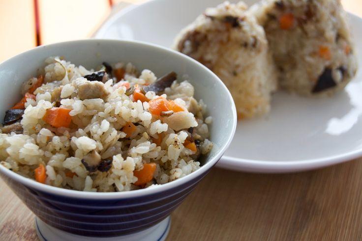 おこげも作ってみたい、素朴な味の沖縄料理「じゅーしー」の簡単レシピ | ROOMIE(ルーミー)
