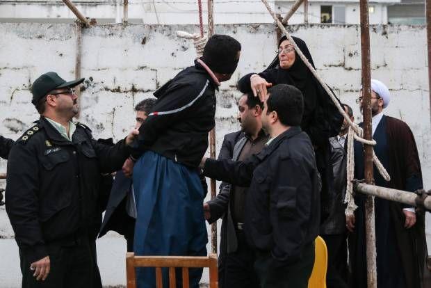 Drama Pengampunan Seorang Ibu di Bawah Tiang Gantungan. Iran