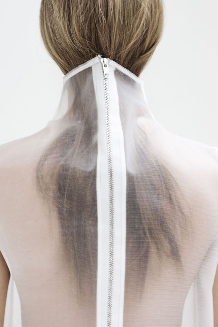 Fashion we like / Graduate collection / See through / Zipper / Back / Contemporarily / at minimalissimo