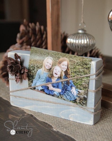 So cute and simple DIY $2 Wood Block and Twine Frames.... Great gift idea! www.shanty-2-chic.com