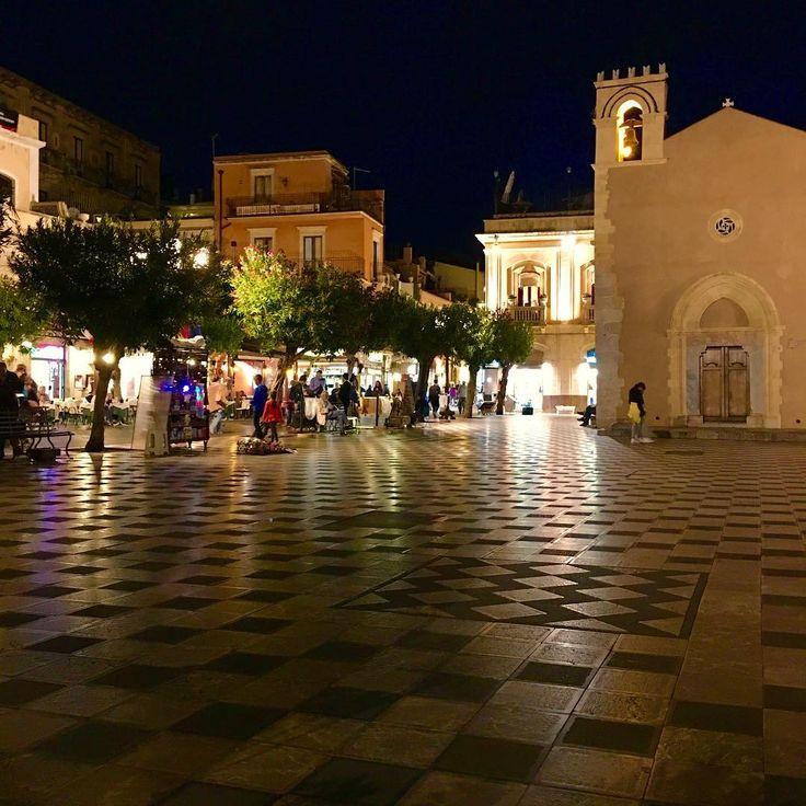 Taormina #taormina #sicily #sizilien #italy #italien #night #lights