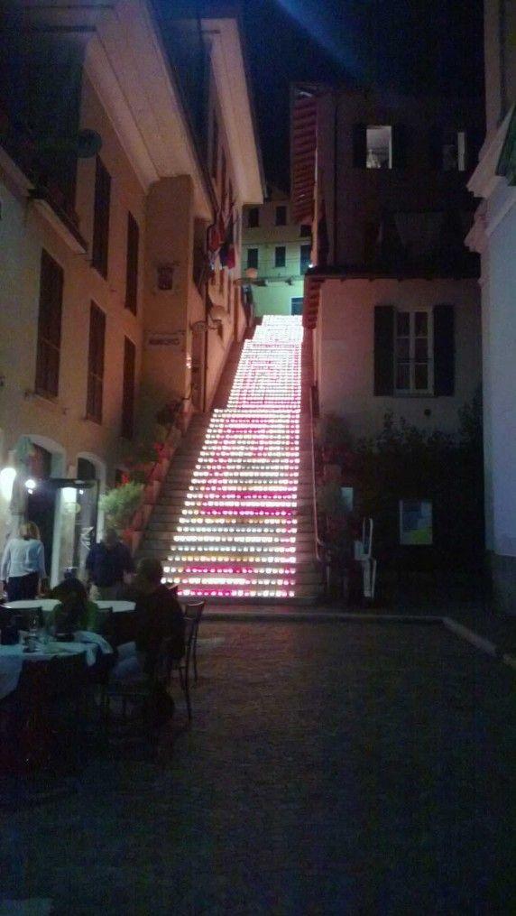 Lo scalone illuminato dalla Pro Loco di #Belgirate ( #Verbania