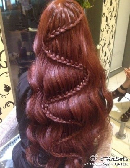 wish I would have seen this hair style when I had long dark red hair...so beautiful...