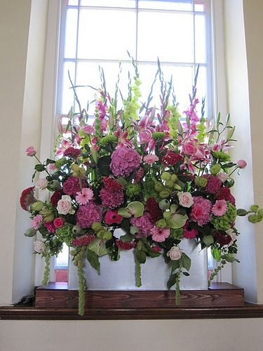 Summer Wedding Hot Pink and Lime chapel or church window arrangement #flowers #blodau