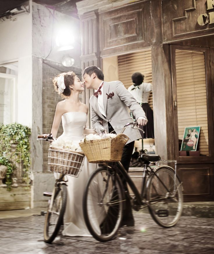 Korea Pre Wedding Photography | HELLO MUSE WEDDING (www.hellomuse.com) | Tel. +82 2 544 6873 | Email. hello@hellomuse.com