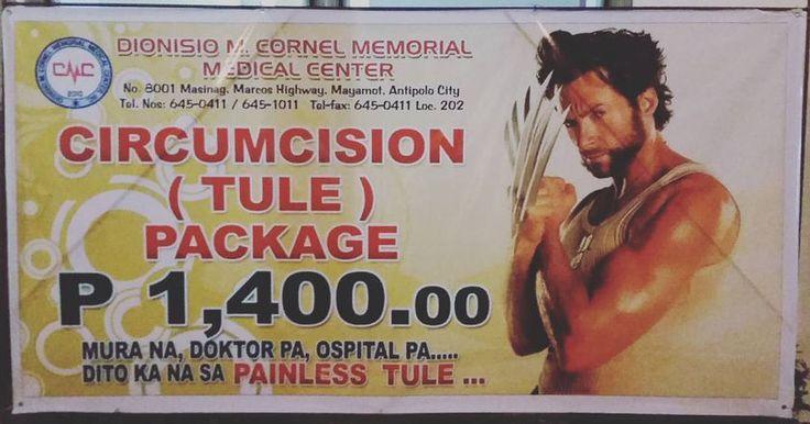 На рекламном плакате Джекман демонстрирует острые когти из адамантия (несуществующий металл, который является частью скелета Росомахи).
