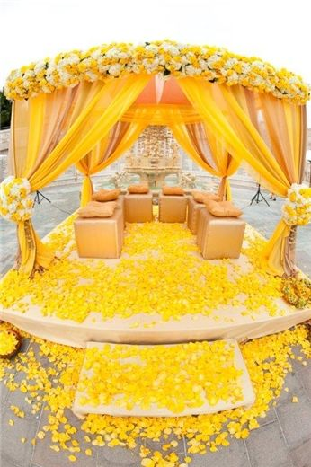 Yellow Fantasy by Square Root Floral & Event Design #mandap #yellow #indianwedding