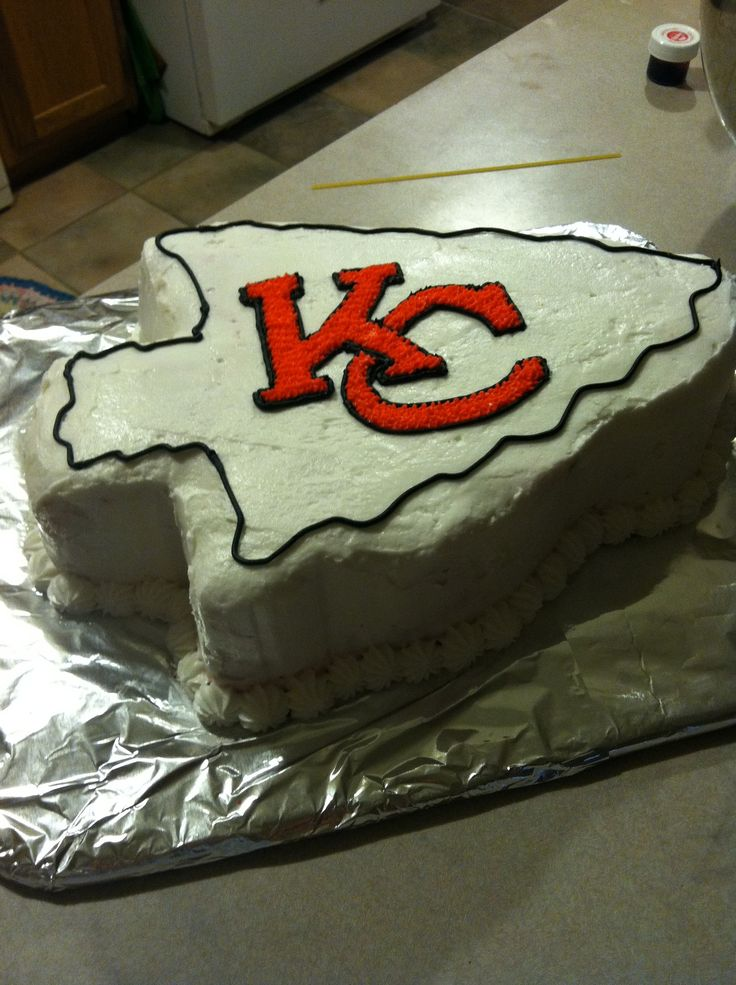 Kansas City Chiefs Arrowhead cake