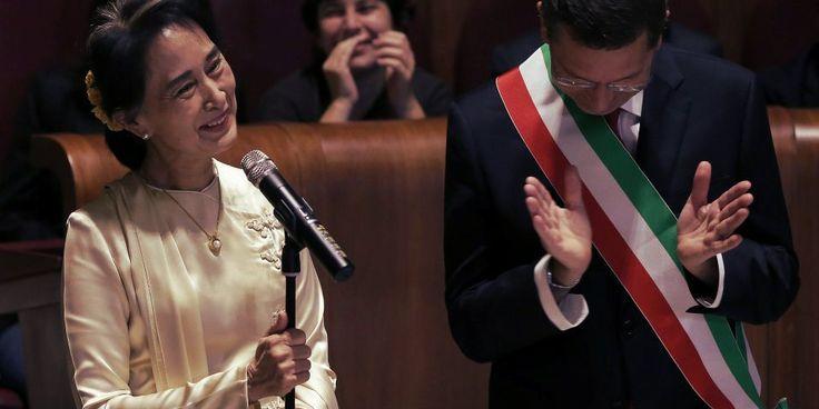 Aung San Suu Kyi, premio Nobel per la Pace, e la cittadinanza romana http://tuttacronaca.wordpress.com/2013/10/27/aung-san-suu-kyi-premio-nobel-per-la-pace-e-la-cittadinanza-romana/