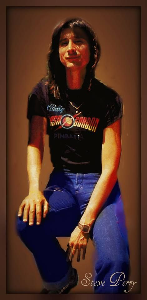 Steve Perry in a Flash shirt that Queen did the music for, can life get any better