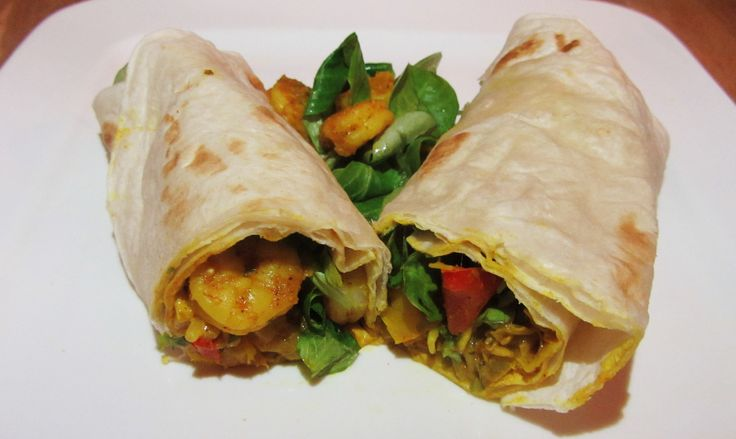 """Wraps behoren absoluut tot de top-3 meest makkelijke gerechten. Een ideale maaltijd wanneer je weinig tijd hebt maar je maag toch goed en gezond wilt vullen. Neem bijvoorbeeld deze wraps met gamba's, paprika, prei en taugé, in minder dan 10 minuten heb je een lekkere en verantwoorde maaltijd op tafel.... <a href=""""http://cottonandcream.nl/wraps-met-gambas-en-kerriesaus/"""">Read More →</a>"""