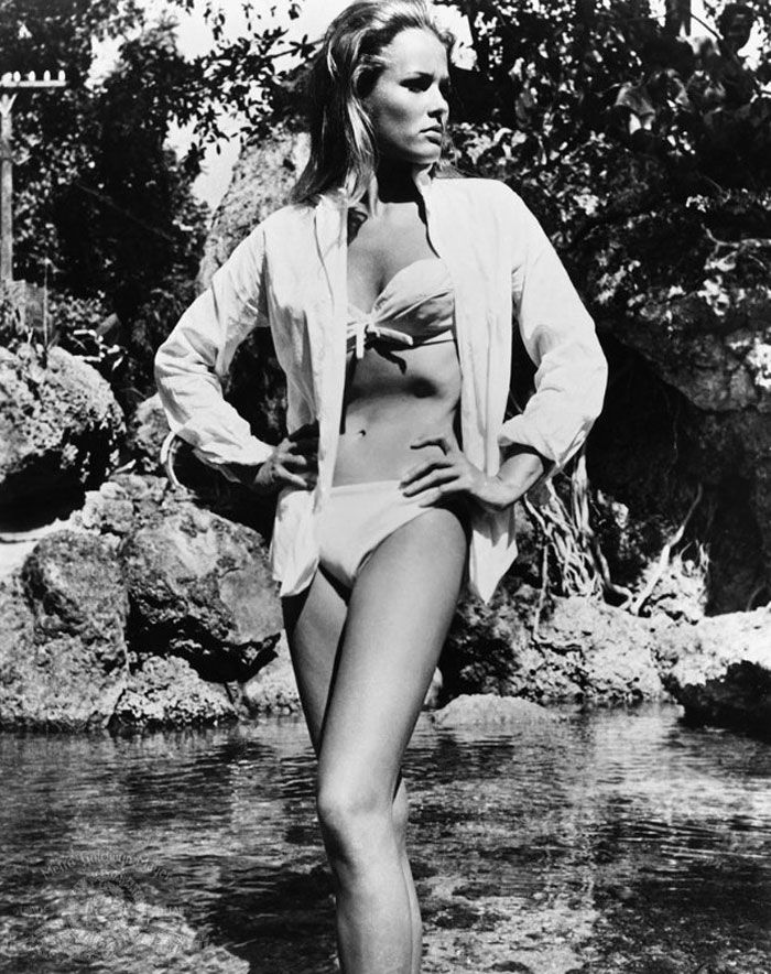 Dr Who #SS14SWIM #BondGirlChic #figleaves: Honey Ryder, Andress Photos, Bond Girls, Fashion Retro, Beautiful Retro, James Bond, Ursula Andress, Girls Fashion, Aka Honey