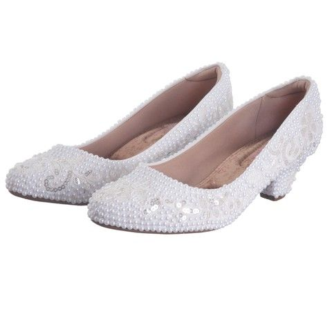 Sapato de salto Amanda com rendas, pérolas e lantejoulas