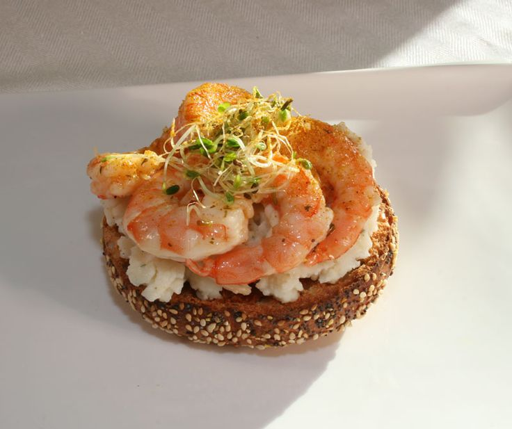 Bagel Sandwich with Mashed Potatoes, Mayonnaise and Chili-Lime Shrimp