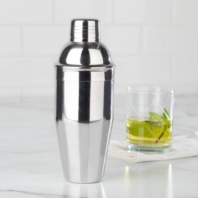 Shake up your favourite cocktails with our stainless steel Chill Cocktail Shaker.