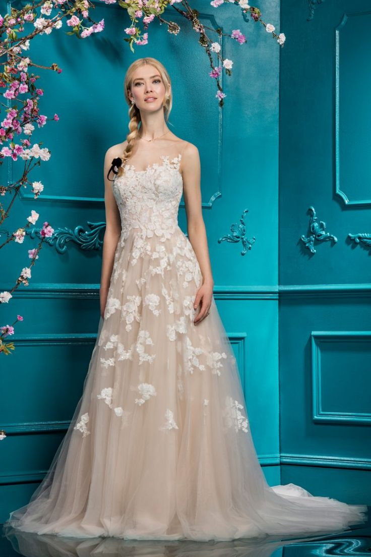 33 best Lookbook | 2018 images on Pinterest | Wedding frocks, Ellis ...