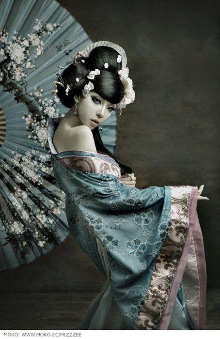 Chinese woman in Hanfu style dress