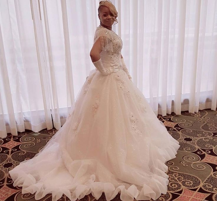 Work that princess gown girl! This bride looked stunning in her wedding dress all thanks to Midsouth Wedding Gown Sales! Click the image to find yours! Photo credit: Midsouth Wedding Gown Sales