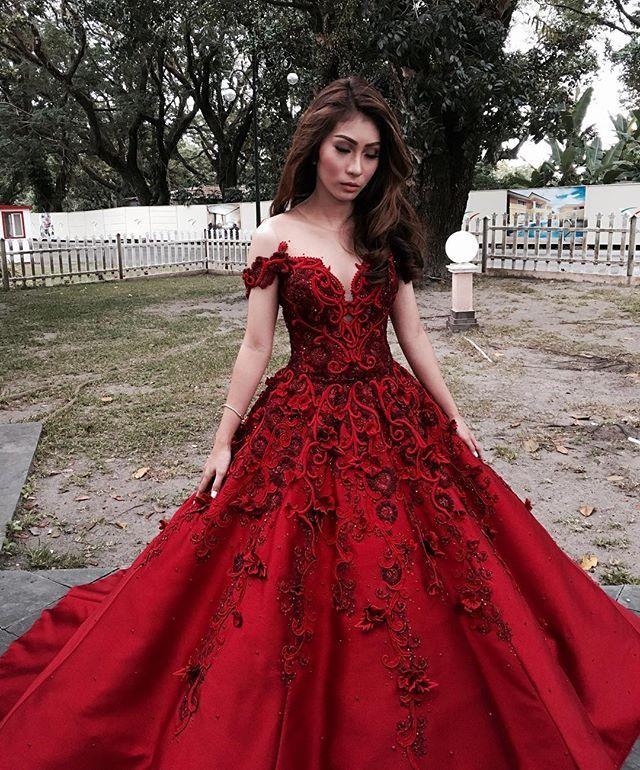 Best 25+ Debut dresses ideas on Pinterest | Couture dresses gowns ...