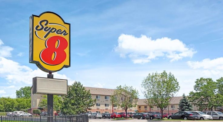 Super 8 O'Hare Elk Grove Elk Grove Village Located less than a 10-minute drive away from O'Hare International Airport, this hotel offers free shuttle services to nearby attractions, including the Donald E. Stevens Convention Center and the Allstate Arena. Free WiFi is available.