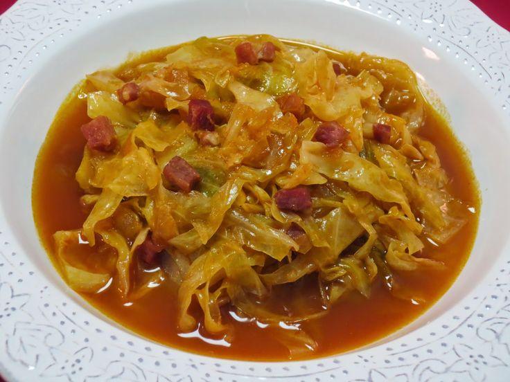 Repollo en guiso Ana Sevilla cocina tradicional.Muy rico.Hay que usar un buen chorizo, porque es lo que le da sabor al plato.