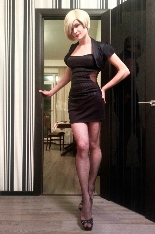 трансы в женской одежде никто