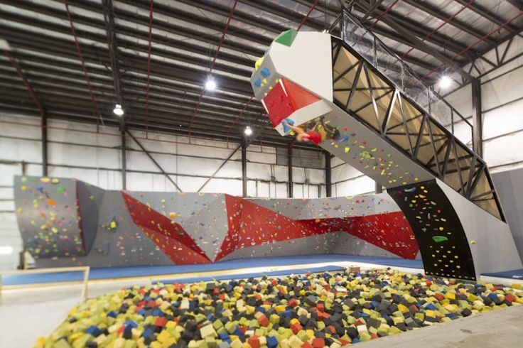 """The Snake"" at Hoosier Heights in Indianapolis. Rock climbing + FOAM PIT?? I WILL go here soon."