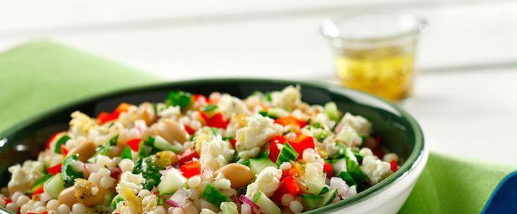Salade de couscous perlé avec feta et romarin