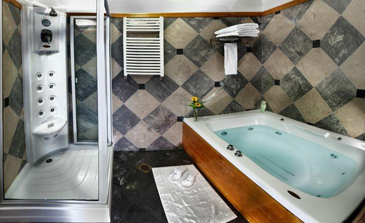 Master suite ba o con jacuzzi hotel bustillo - Banos con jacuzzi ...