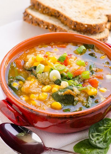 Spinach Quinoa Soup -- Vegan and gluten free soup. Makes a large batch with enough for freezing. #cleaneating