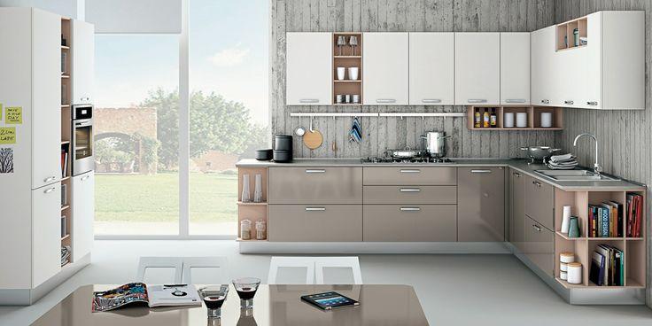 L'anta in acrilico di Zoe definisce uno stile finemente moderno, raffinatamente armonioso e contemporaneo. #creo #kitchens #home #cucina #arredamento