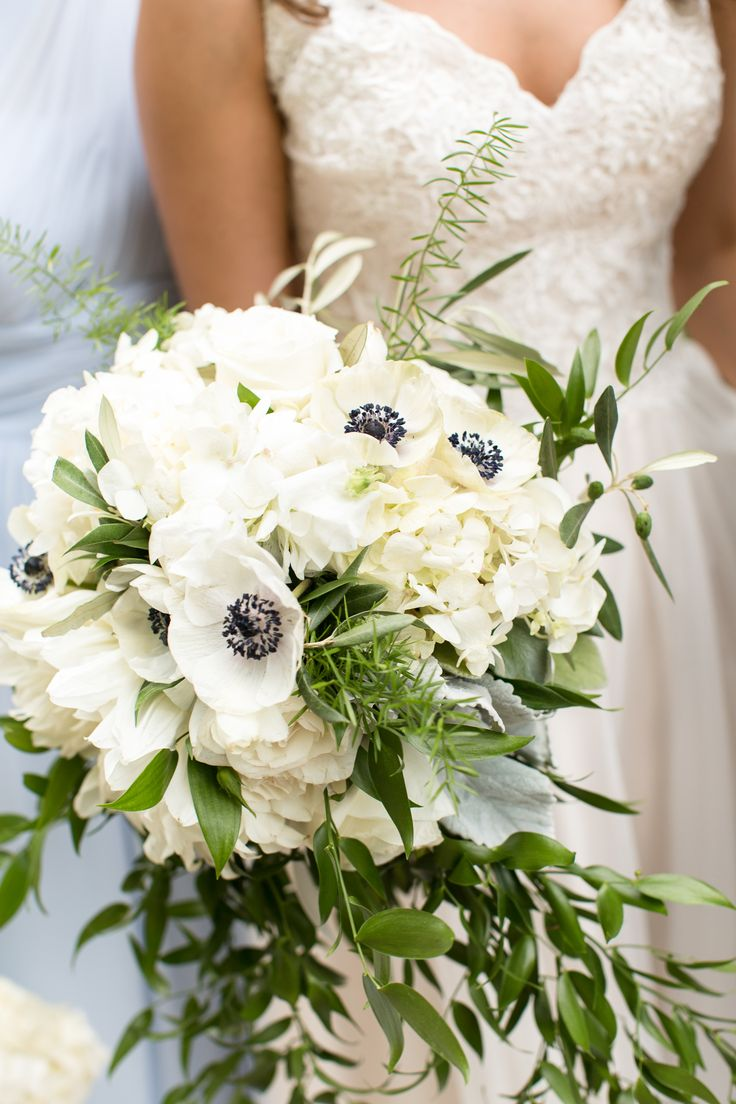 White+Hydrangea+and+Anemone+Bridal+Bouquet