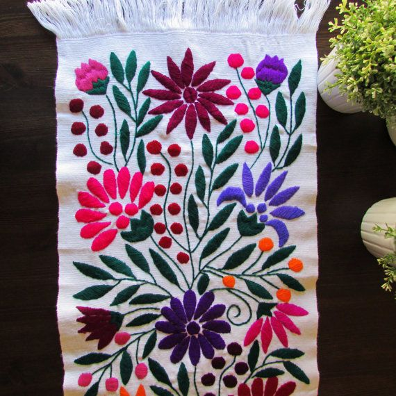 Table Runner White color Mexican Textile Hand by ArteDeMiTierraMX