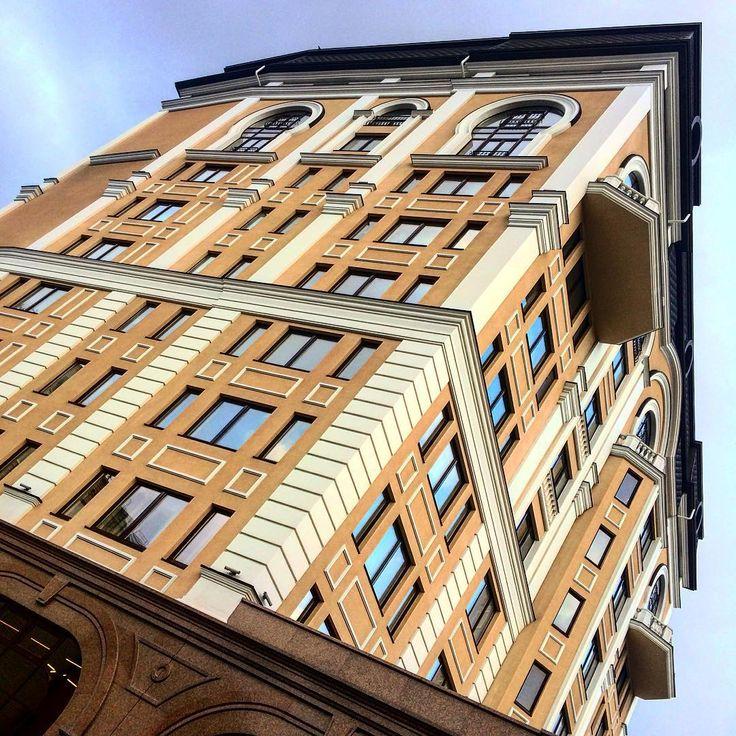 Бизнес Центр (HUB 4.0)  пер. Ярославский, 1/3, Подольский район, Подол, г. Киев.  10-этажное офисное здание.    #architecture #buildings #businesscenter #hub40 #igerskiev #igkiev #insta_kiev #instakiev #Kiev #kiev_ig #kievcity #kievgram #kievphoto #kievpics #kievrealtor #Kyiv #Podol #realestate #realtor #архитектура #БизнесЦентр #БізнесЦентр #Киев #киевриэлтор #Київ #недвижимостьКиева #Поділ #Подол #риелторКиев #риэлтор