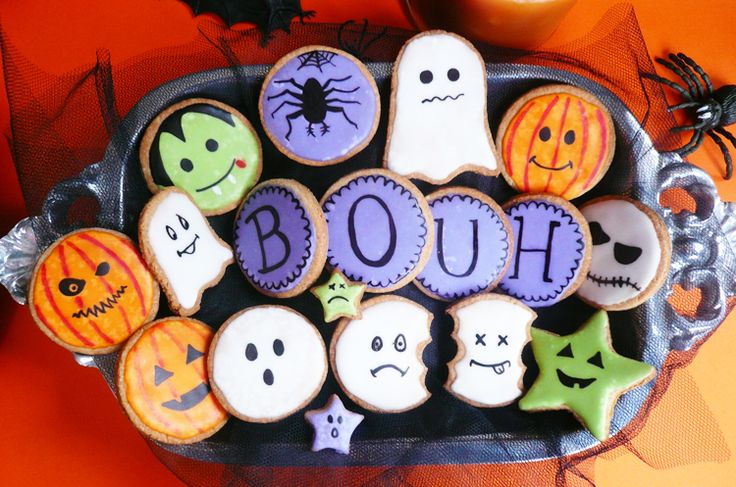 idées de recettes pour Halloween : des biscuits décorés pour Halloween, très jolis et assez faciles à réaliser pour un super effet sur votre buffet !