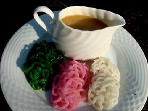 putu mayang    rice flour pasta with brown sugar syrup