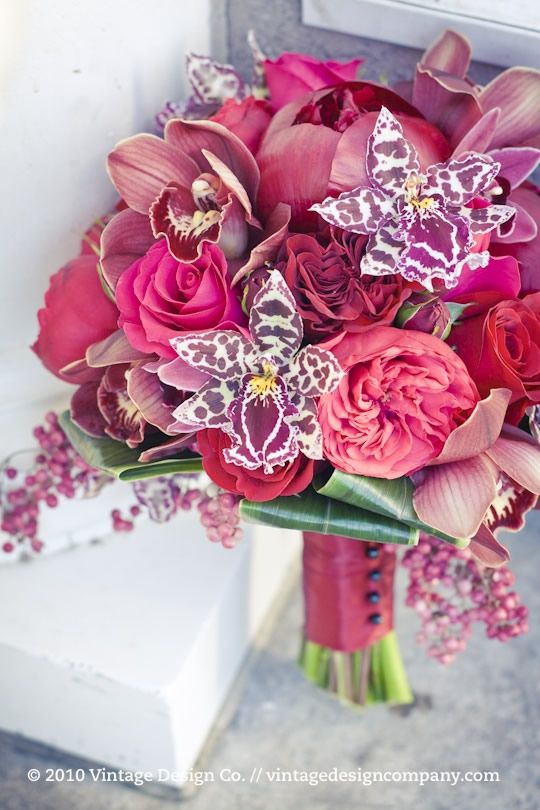 beautiful!: Pink Wedding, Bridal Bouquets, Orchids, Wedding Bouquets, Bride Bouquets, Wedding Flowers, Bridal Flowers, Gardens Rose, Bouquets Flowers