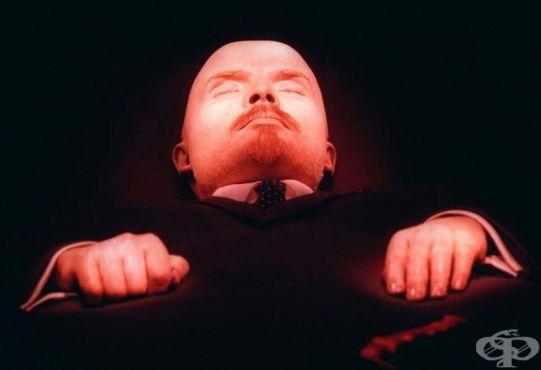 Мумията на Ленин: какво правят руснаците, за да изглежда като жива - изображение