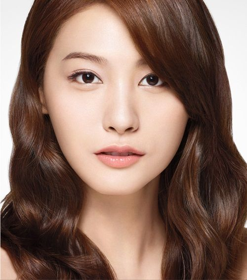 """Yoo In Young and Seo Hyun Jin may join Lee Jin Wook and Jung Yong Hwa in """"The Three Musketeers."""" http://www.kpopstarz.com/tags/cnblue"""